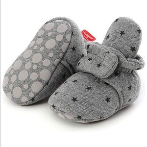 Babies non skid soft booties, grey star